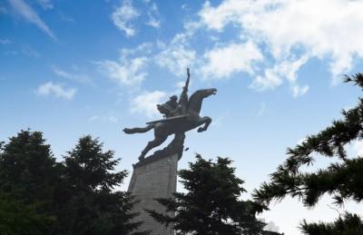 千里馬銅像